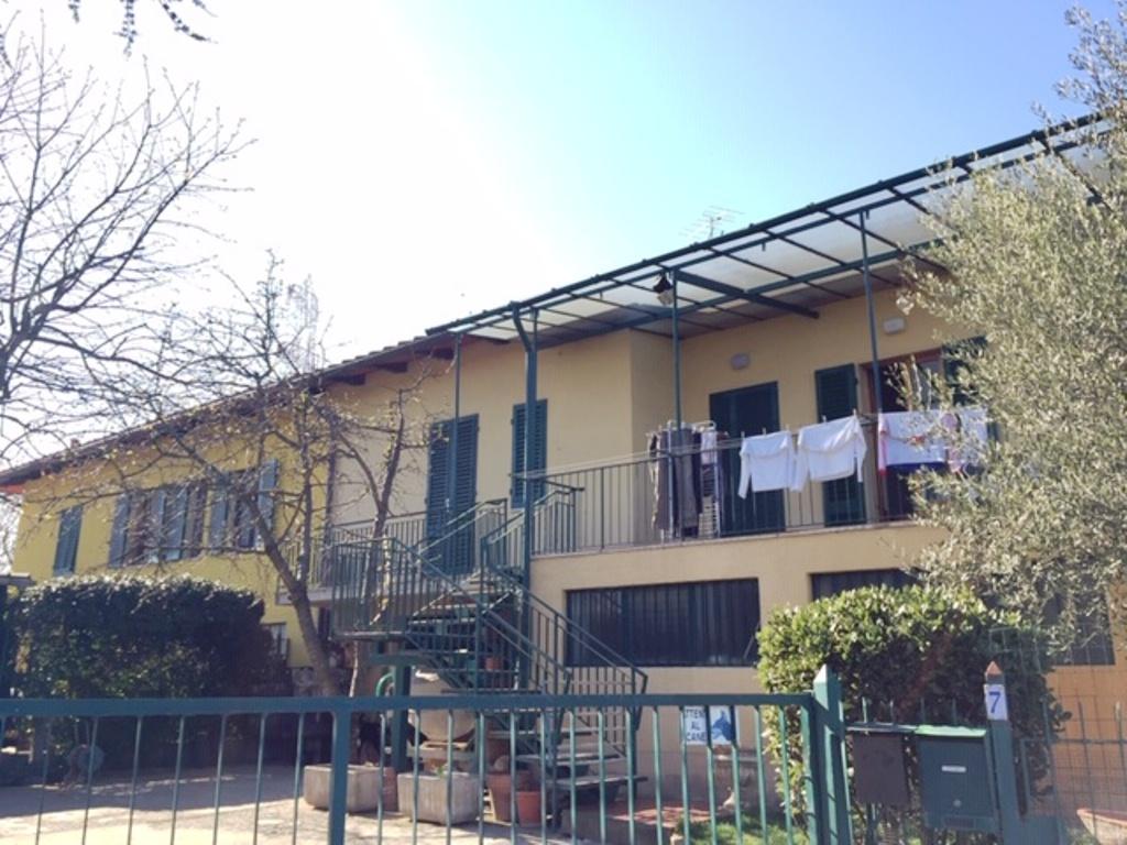 Scandicci p.ssi 2 terratetti con box, giardino e p.auto