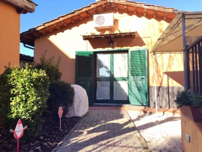 Firenze Peretola terratetto con giardino, p.auto e cantina